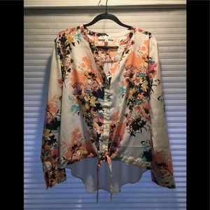 Floral high-low blouse with front tie